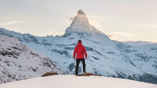 turista en monte cervino, suiza